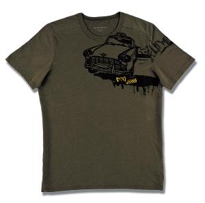 军绿卡通t恤; 绿相间两用包就是其中之一,不论怎么看都很像儿童简笔画