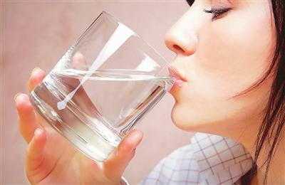 晚上喝水影响减肥