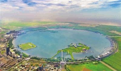 滴水湖如东海边的一粒明珠 见习记者 李铭珅 摄