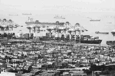 代表热议上海自贸区如何形成可复制可推广模式