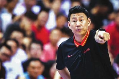 中国男篮即将迎来春天 李楠执教CBA