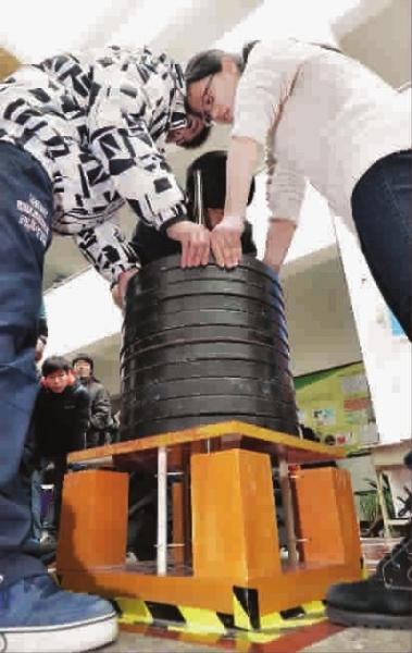 智慧的力量让15克桐木条成为承重几百公斤的