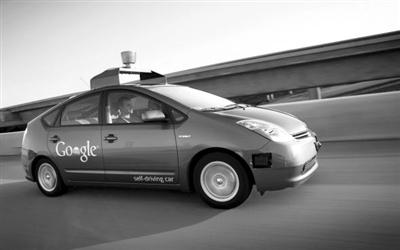 加利福尼亚州州长杰里·布朗25日签署法案,允许无人驾驶汽车高清图片