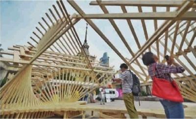 采用传统榫卯结构,整个建筑不用一个钉子